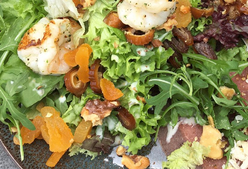 Smaakgeheimen salade met gamba's voor moederdag