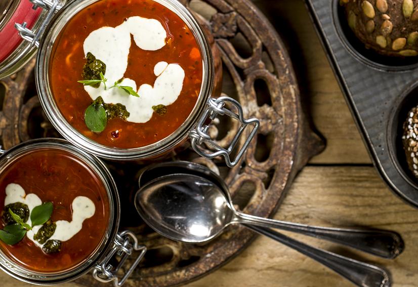 Tomatensoep met kip met Smaakgeheimen pastasaus