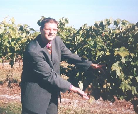 Adrie van der Loo sommelier wijngaard